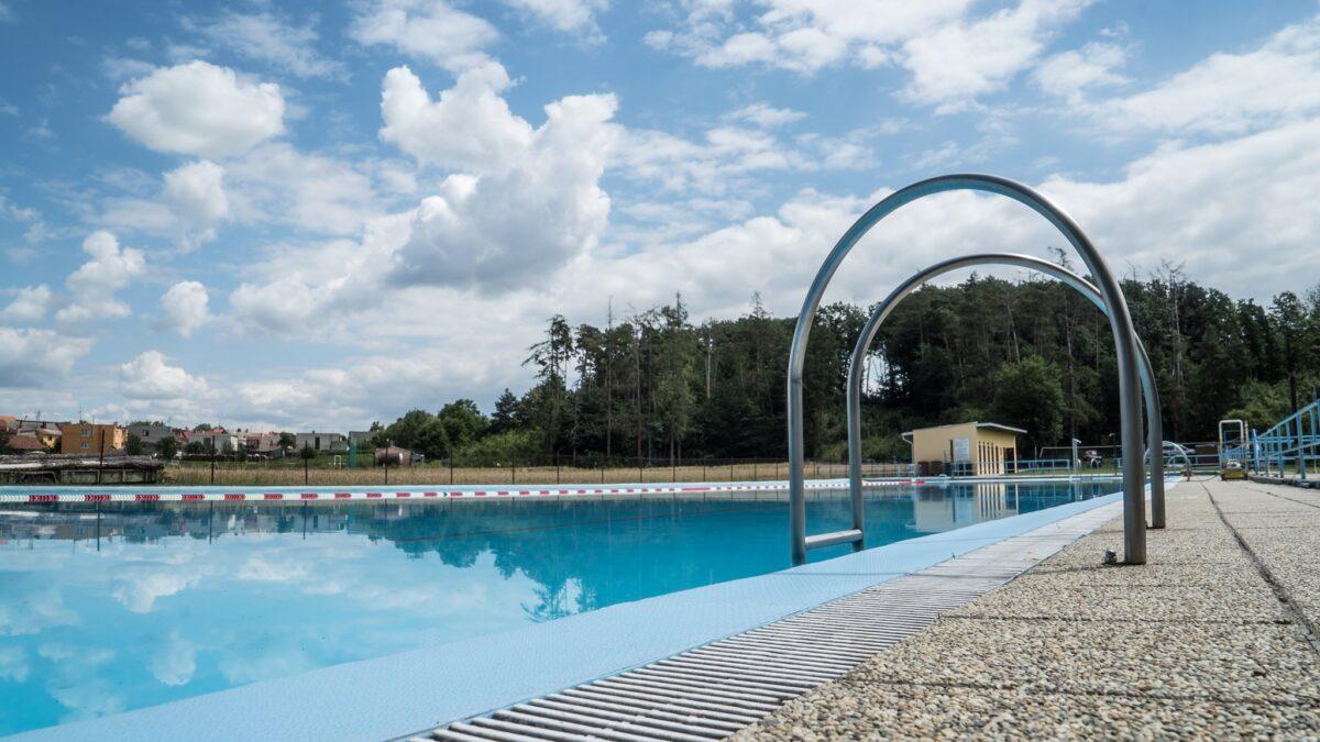 Na koupališti v Mramoticích na Znojemsku postaví osmimetrovou skluzavku