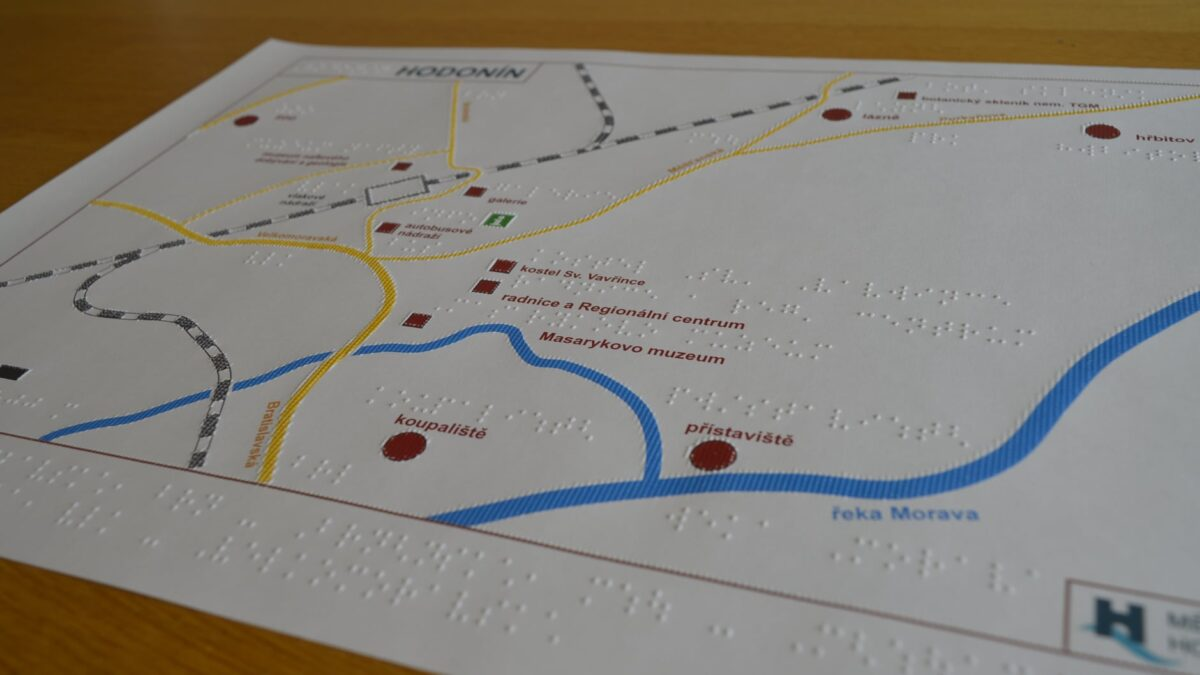 V Hodoníně připravili pro nevidomé turisty hmatovou mapu