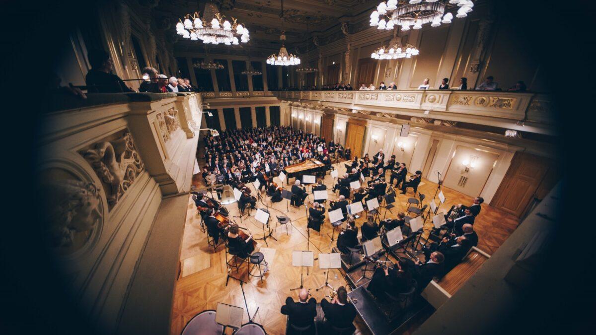 Filharmonie Brno se po 8 měsících vrátí před publikum. Koncerty budou také online